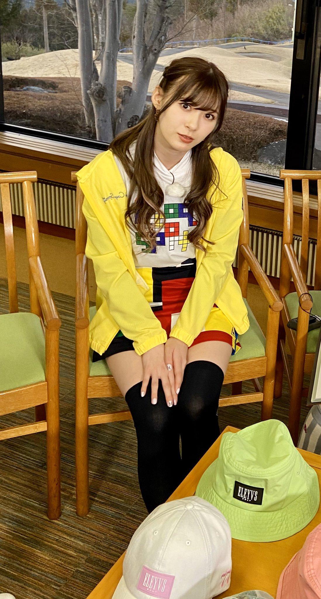 http://www.mybitchisajunky.com/whg/picture/orig%23EXbJOSgUEAEQWqc.jpg